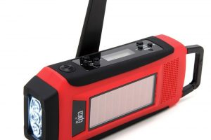 Epica-Digital-Emergency-Solar-Hand-Crank-Charger